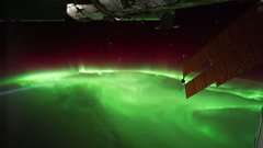 iss-time-lapse-view-from-space-picture-03-aurora-borealis.jpg